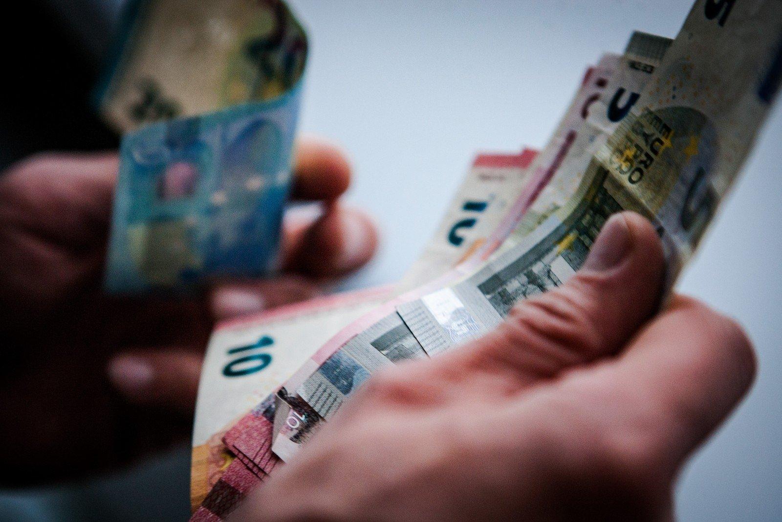 Ieškokite, kur užsidirbti pinigų be investicijų. Kavinė ir maitinimas