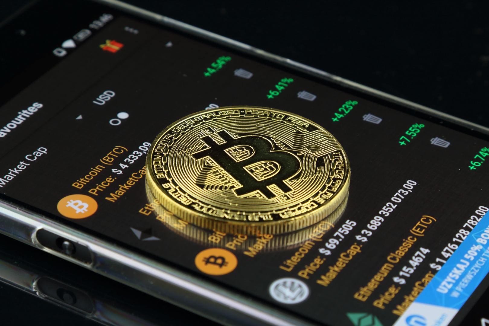 įranga už bitkoinų kainą programos signalai dvejetainiai variantai