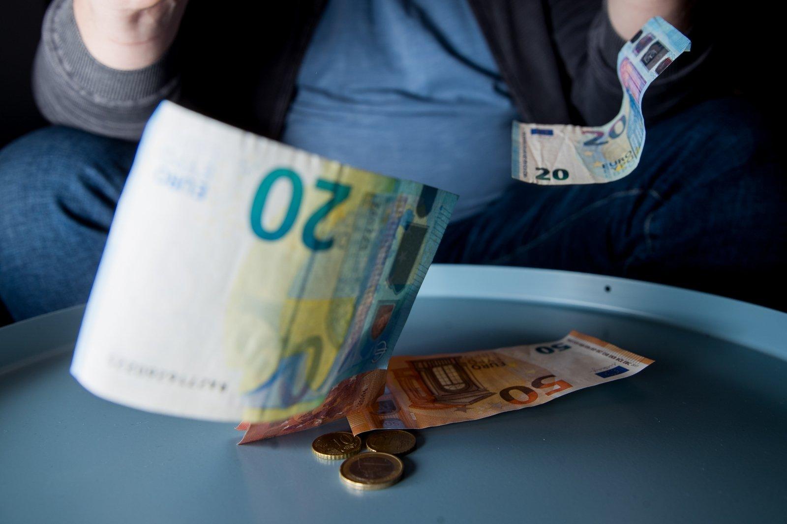 pasirinkimo sandoriai euro doleris btcon botai uždarbiui