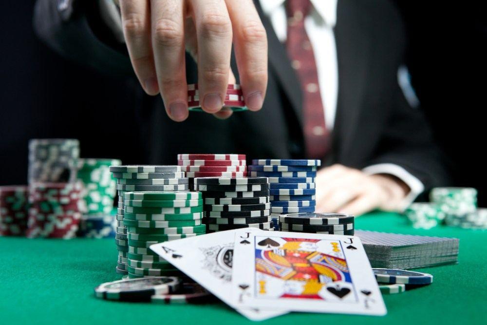 Prekyba azartiniais lošimais, Paauglystė baigėsi: azartiniams lošimams Lietuvoje 18 metų