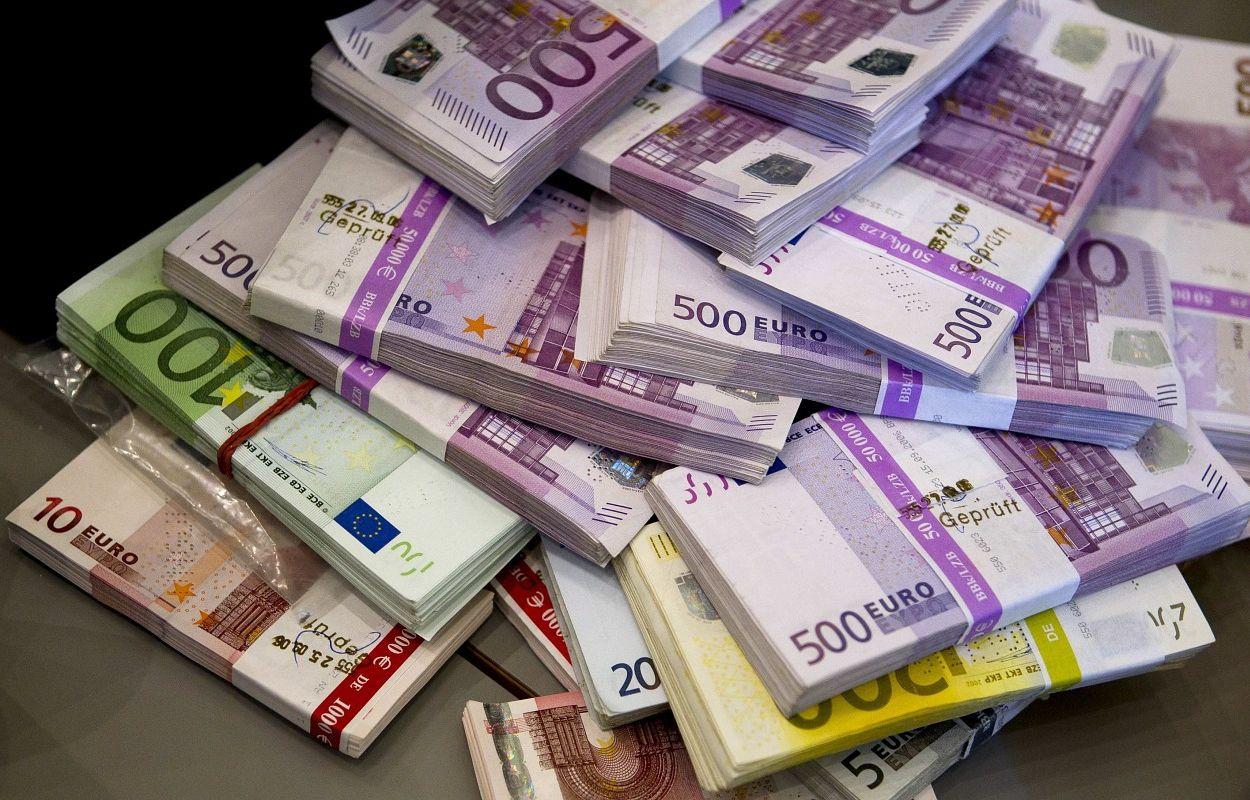 kaip turtingi žmonės uždirba pinigus