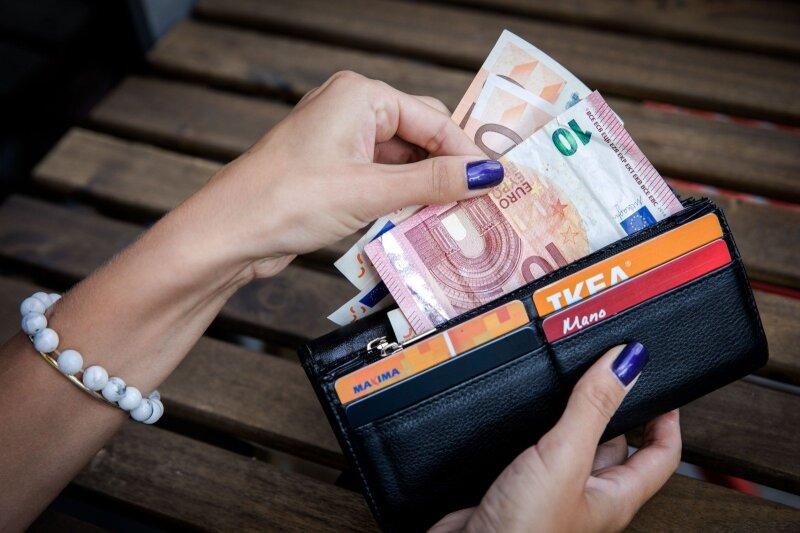 kaip greitai užsidirbti pinigų per dvi dienas