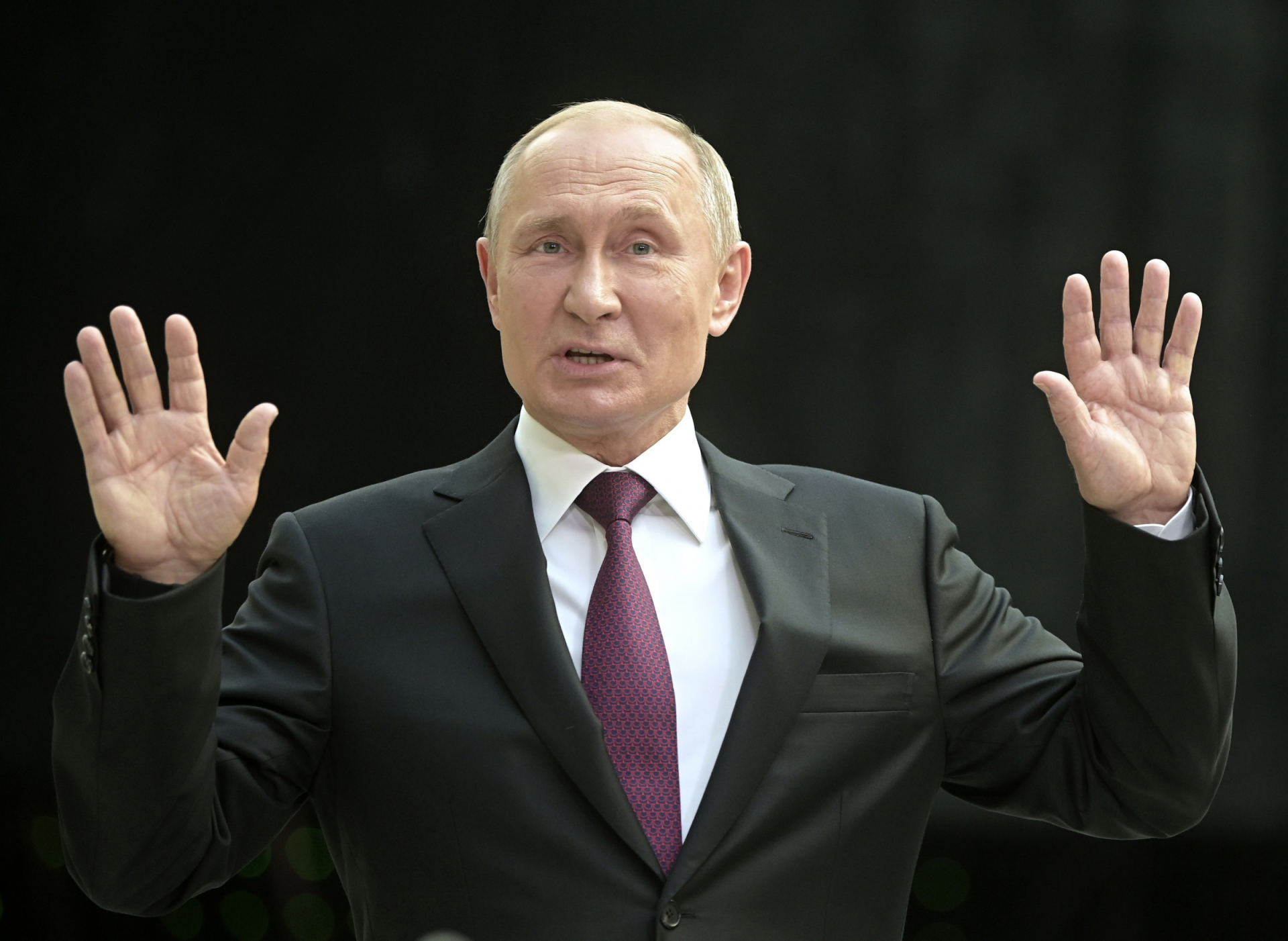 Kaip Putinas uždirbo pinigus?