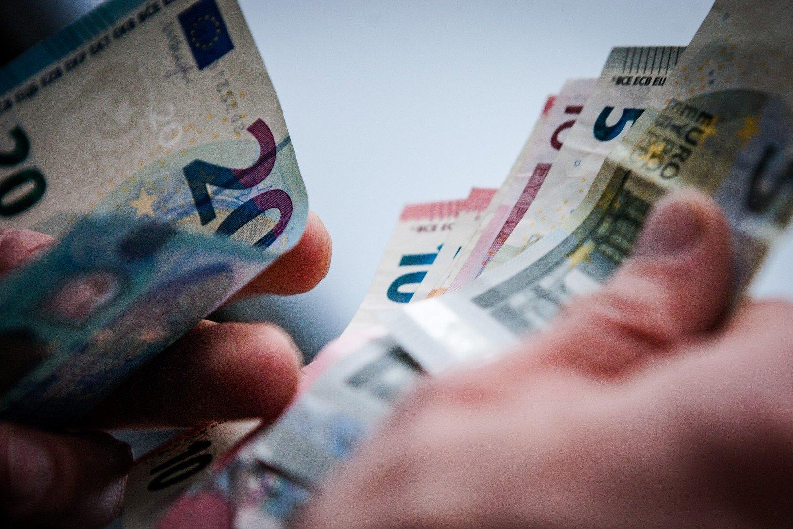 užsidirbti pinigų prieš išleidžiant pinigus dvejetainių parinkčių strategijos vaizdo kursas