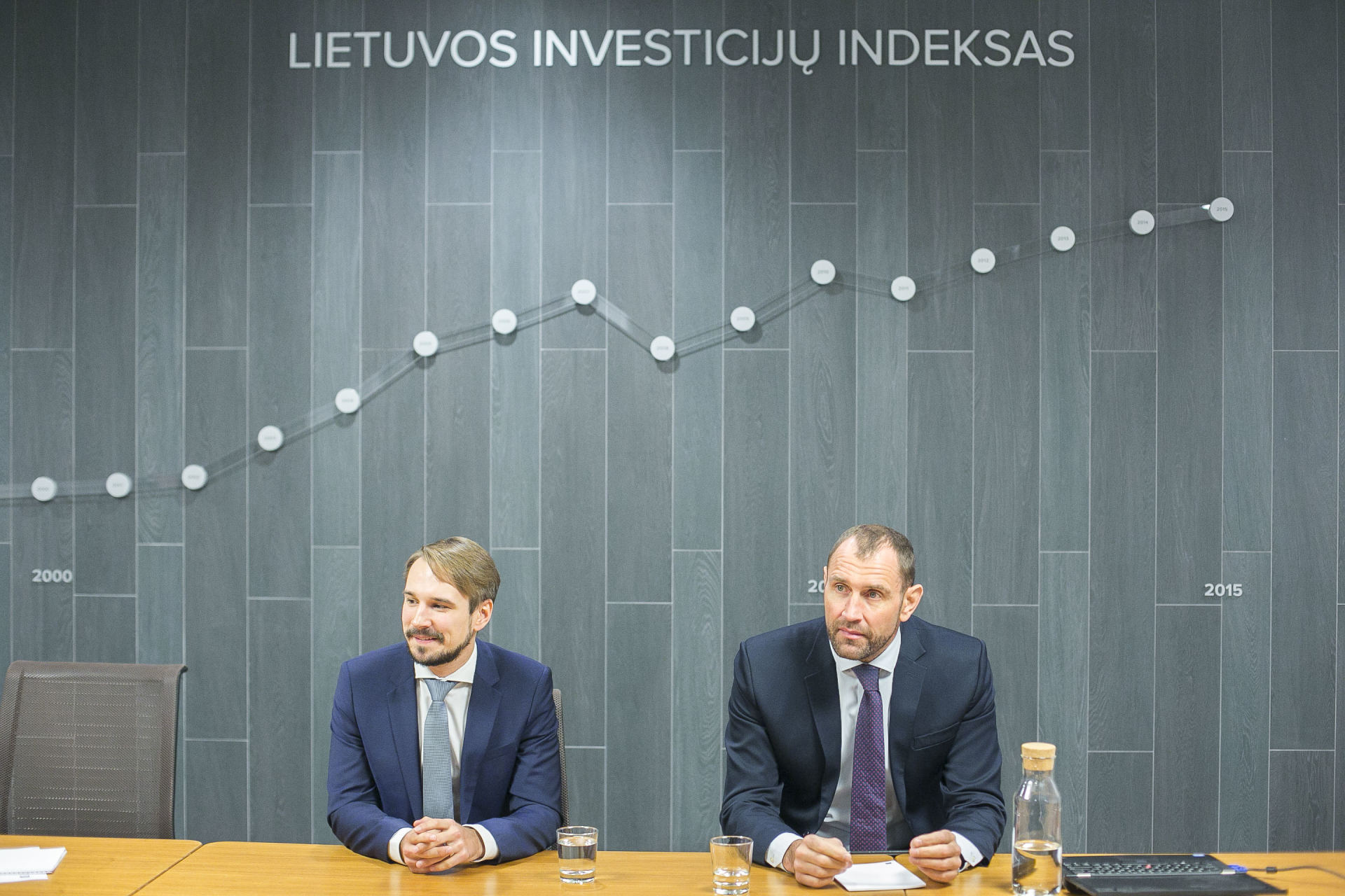pelningiausia interneto investicija