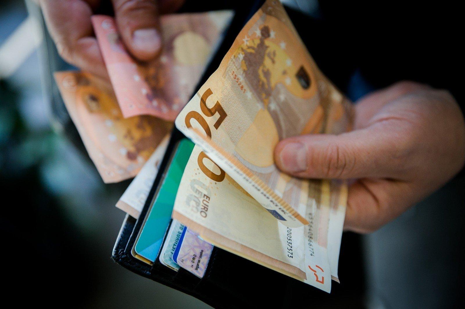 Kaip užsidirbti pinigų, Uždirbti daug pinigų yra lengva