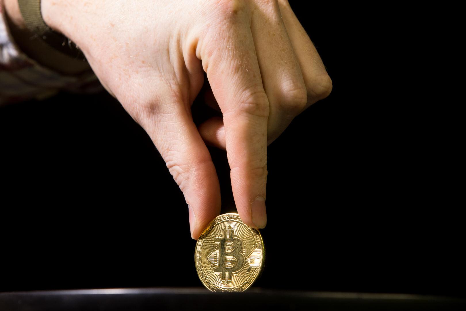 Kaip bitcoin uždirbs pinigų, kaip užsidirbti pinigų - Ar galima užsidirbti bitcoin iš čiaupų