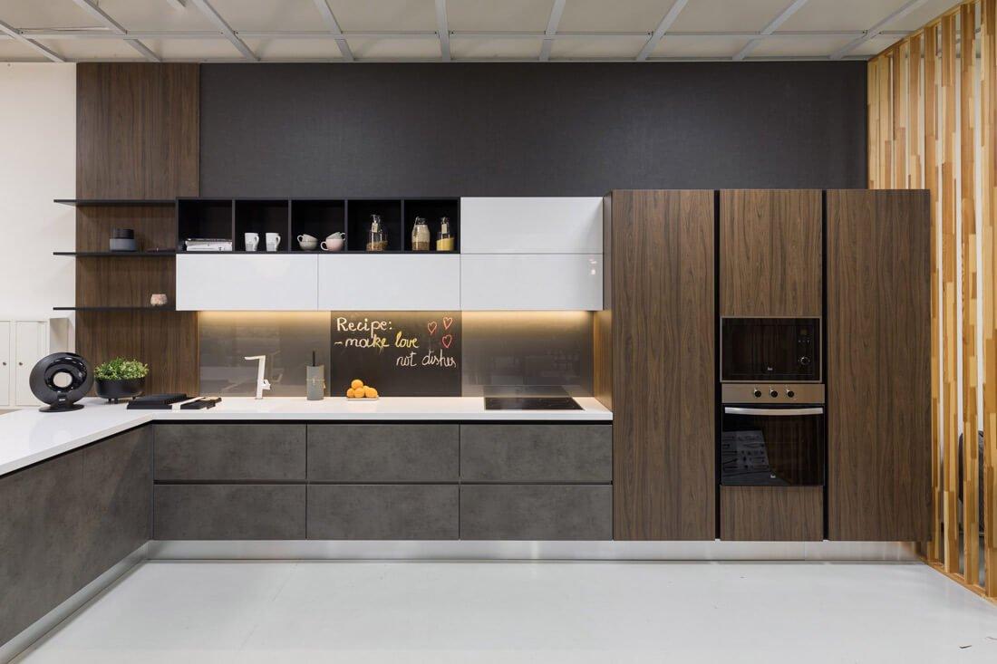 Prekybos virtuve centras, Virtuvės baldai