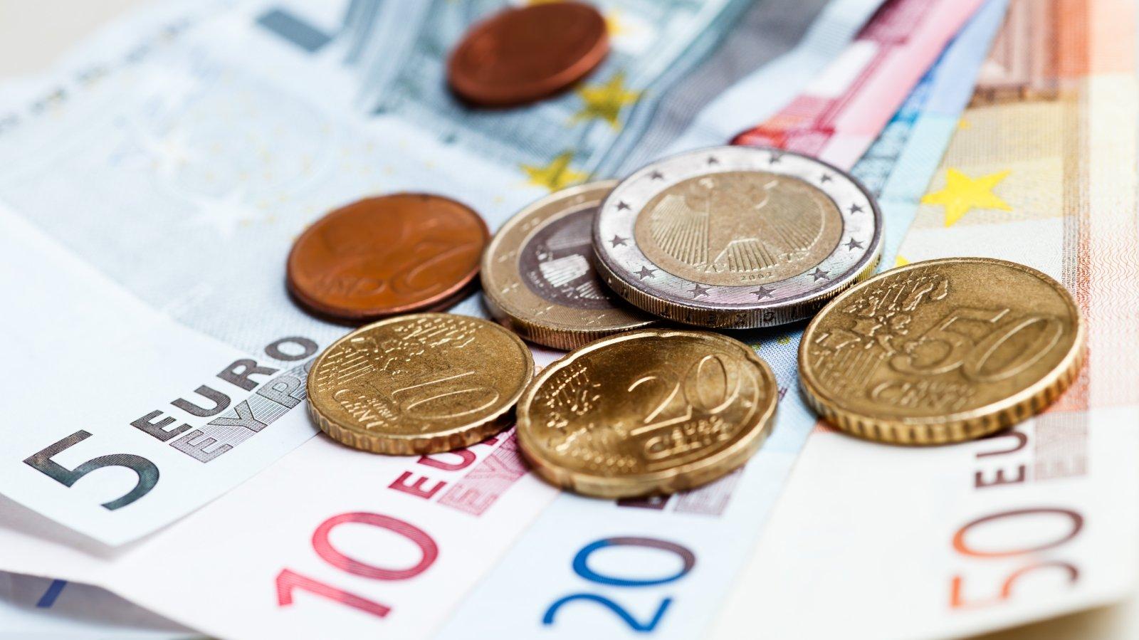 vykdyti prekybą eurais kas yra dvejetainių opcionų premijos
